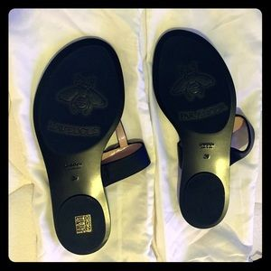 Leather thong sandal with Double G size 9